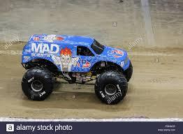 new monster jam trucks new orleans la usa 20th feb 2016 mad scientist monster truck