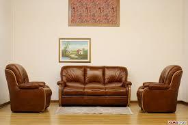 divani e divani belluno divano e poltrone con spalliera alta in pelle e legno in offerta
