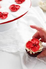 how to make beautiful buttercream poppy flowers with video the