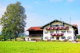 Holzhaus Mit Grundst K Kaufen Haus Im Bayrischen Stil Typisches Haus In Bayern