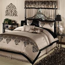 Cheap King Size Bedding Sets Bedroom Awesome Cheap King Size Comforters Black And White King