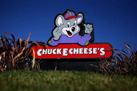 cartoon wine and cheese chuck e cheese expands booze offerings to woo u0027millennial moms