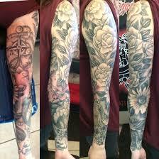 roses arm sleeve tattoo black and grey woman u0027s sleeve tattoo daisy elbow tattoo black