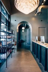 decoração de salão de beleza e cabeleireiros industrial shelving