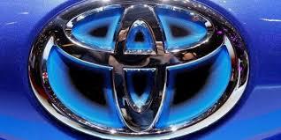 toyota us sales toyota forecasts 20 percent profit drop on higher us sales cost yen