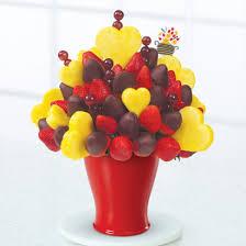 eatible arrangments edible arrangements fruit baskets hearts berries dipped