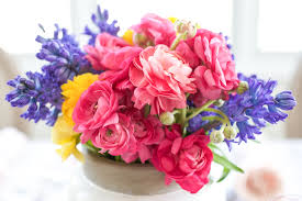 Arrangments by Spring Flower Arrangements Add Color To A Seasonal Tablescape