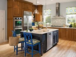 Kitchen Cabinet Color Ideas For Small Kitchens by 25 Tips For Painting Kitchen Cabinets Diy Network Blog Made