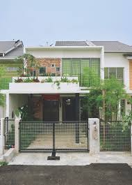 Courtyard House Designs Trees And Shrubs Create Faux Courtyard Inside House