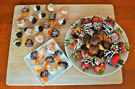 fruit dipped in chocolate diy chocolate dipped fruit the kitchenthusiast