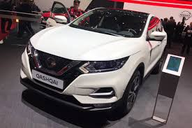 nissan juke 2017 red facelifted nissan qashqai unveiled at geneva auto express