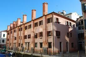 camini veneziani casa dei sette camini