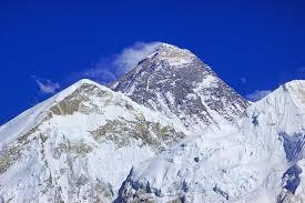 film everest fakty nepal zmierzy mount everest naukowcy kwestionują jego wysokość