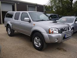 silver nissan car used 2005 nissan navara 2 5di sport double cab pick up silver