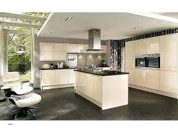 set de cuisine cuisine en bois chaise blanche laquace awesome best cuisine en