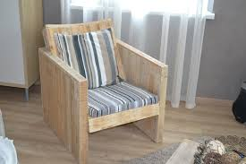 How To Make Pallet Furniture Cushions by Diy Pallet Chair Design Ideas To Try Keribrownhomes