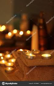 composizione di candele composizione di candele luce â foto stock â belchonock