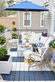 outdoor casual dining on our painted deck nesting with grace
