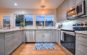 are grey cabinets going out of style gray kitchen cabinets