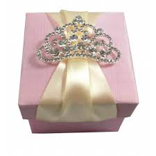 Favor Boxes by Luxury Wedding Favour Box With Large Crown Rhinestone Brooch