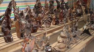 wood sculpture singapore laos wood carving factory oudamxai laos with photos and pictures