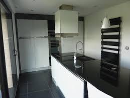modele de plan de travail cuisine cuisine blanche plan de travail noir inspirational modele cuisine