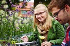 studium garten und landschaftsbau das grüne medienhaus ausbildung menschen im gartenbau gartenbau