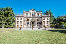 Largest Homes In America by This Almost 500 Year Old Italian Mansion Is Classy Beyond Belief