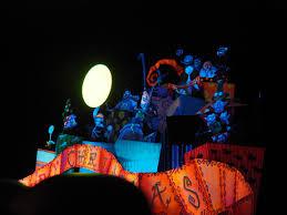 file disneyland at halloween 24765515525 jpg wikimedia commons