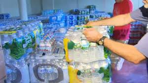 volunteers in collect donations for cbs boston