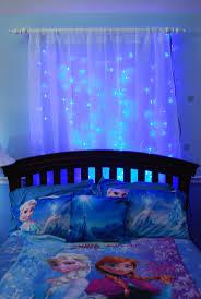 top 25 best icicle lights bedroom ideas on pinterest christmas 25 idees geniales pour une chambre de la reine des neiges frozen