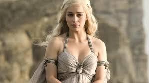 Emilia Clarke Bathtub Emilia Clarke Purchased Her Throne In Cali Tkm News United States