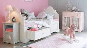 parquet chambre fille d quel nouvel éclairage dans la chambre en parquet de ma fille