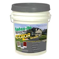 latex ite 4 75 gal color grade blacktop driveway filler sealer in