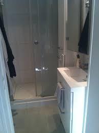 louer une chambre au mois chambre à louer dans le quartier des abbesses 600 euros par mois