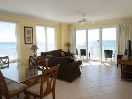 3 br with 2 master suites beach chairs in vrbo