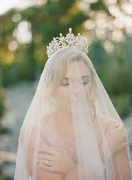 wedding crowns best 25 wedding crowns ideas on wedding hairstyles
