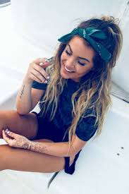 how to wear bandanas with bob hairstyles best 25 bandana hair ideas on pinterest bandana hairstyles
