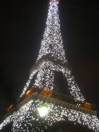 eiffel tower christmas lights sparkling eiffel tower 365 things i love about france