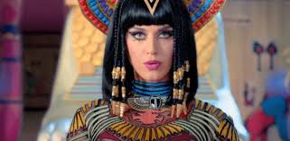 see 5 stunning beauty moments from katy perry u0027s new