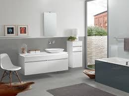 10 home interior hacks to make a small bathroom look bigger