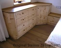 Schlafzimmer Holz Zirbe Kommode Zirbenholz Mit Eckplatte Nachttisch Steiner 005 Jpg