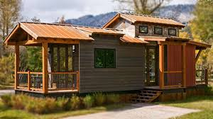 the caboose 400 sq ft cabin by wheelhaus beautiful small house