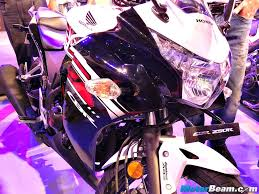 cbr motorcycle price in india honda showcases cbr150r cbr250r with updates for 2015
