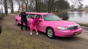 pink glitter car glitter och glamour i en rosa limousine youtube