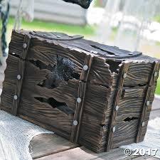 shaking pirate treasure chest
