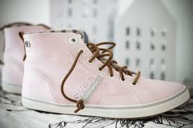 svea skor blom mamma till selma colin vårigt väder rosa svea