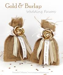 burlap wedding favors popper and mimi diy gold and burlap wedding favors