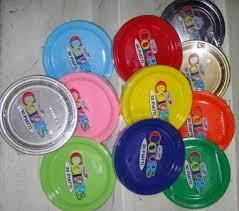 piatti e bicchieri di plastica colorati piatto piano in plastica colorata dopla dolce