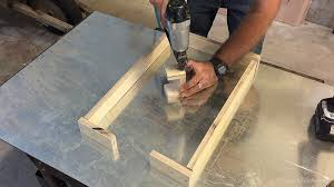 remodelaholic modern concrete and redwood bench tutorial